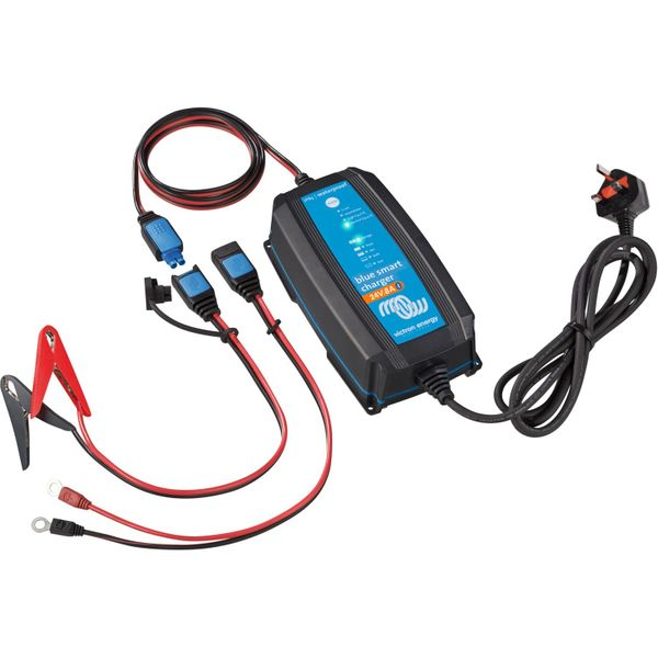Victron Blue Smart Battery Charger (24V / 8A / IP65)